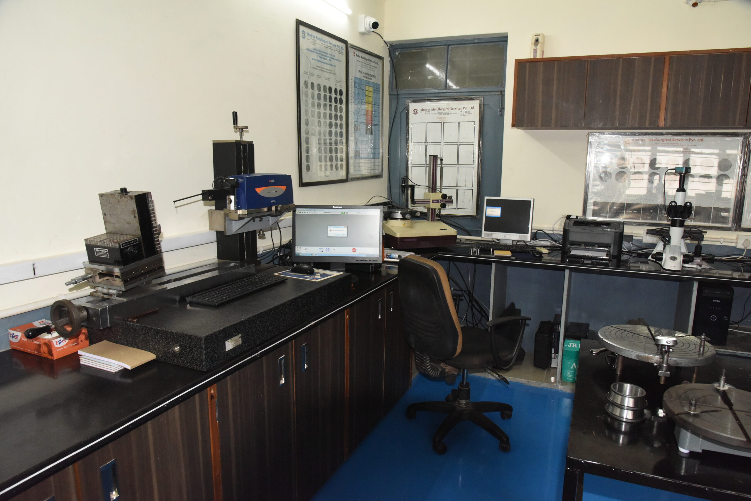 Taylor Hubson and Roundness Tester - Quality Control - Standard Room - Marc Bearings Pvt. Ltd. - India